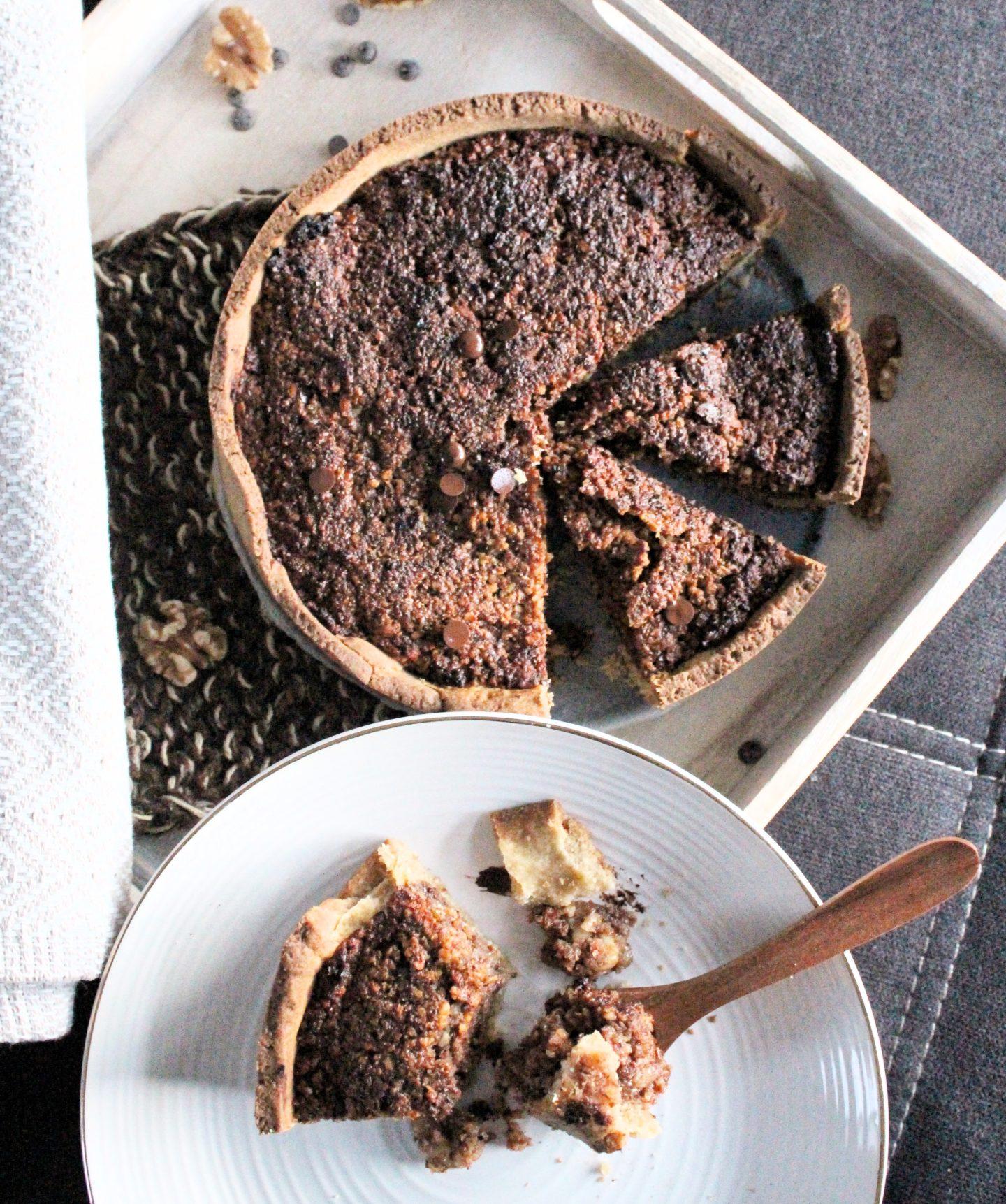 Nusstarte mit Schokolade und Marzipan