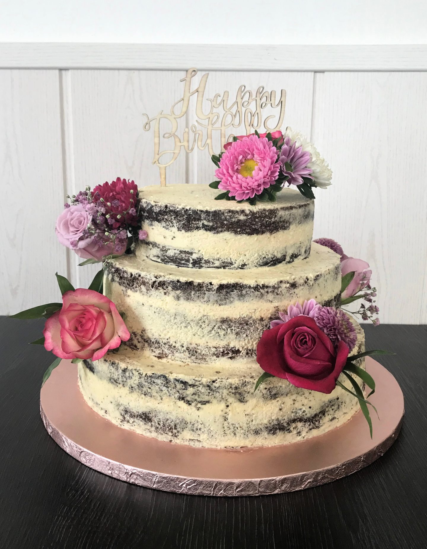 Naked Cake mit Vanille-Kaffee-Swiss Meringue Buttercreme